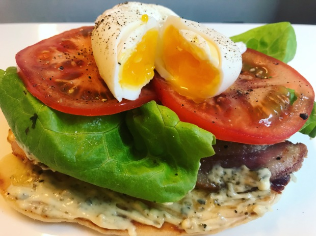 egg blt on naan